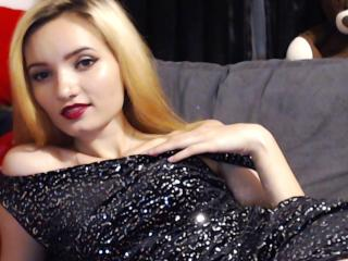 MissVanesa - Show live porn with this shaved intimate parts X young lady