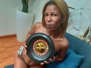CarolaInedixon - Chat hard with a latin american Lady