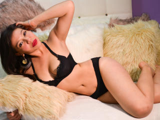 Khailyn - Live cam hot with a Hot young lady