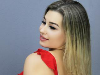 HotXHelen - Webcam hot with a European Exciting girl