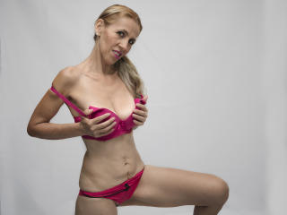 KrytalMature - Live sex cam - 7882584