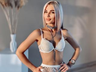 AriellaBlonde