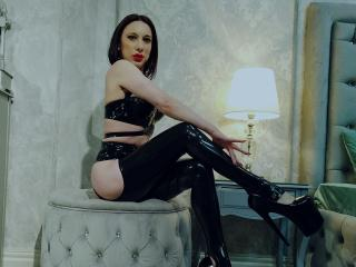 WandaDominatrix - Live cam sexy with a black hair Dominatrix