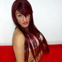 Photo de profil sexy du modèle MiileyWolF, pour un live show webcam très hot !