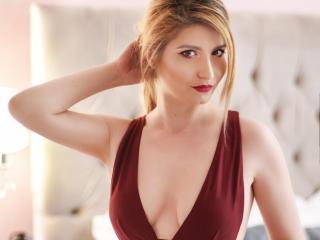 Foto del profilo sexy della modella ElenyTroy, per uno show live webcam molto piccante!