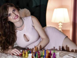 Hình ảnh đại diện sexy của người mẫu CarineMuller để phục vụ một show webcam trực tuyến vô cùng nóng bỏng!