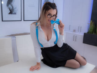 תמונת פרופיל סקסית של CesarreJones למופע חי מאוד סקסי!