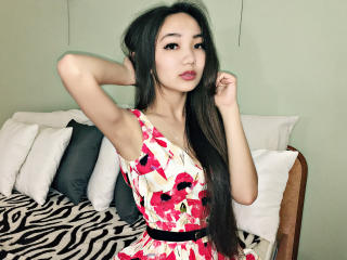 Picture of the sexy profile of AsianSofi, for a very hot webcam live show !