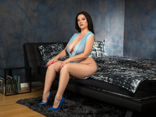 WantedNicole - Chat live sex with this shaved sexual organ Sexy mother