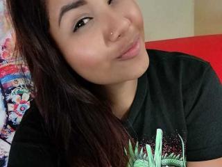 Foto del profilo sexy della modella VioletaaRose, per uno show live webcam molto piccante!
