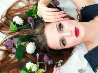 Photo de profil sexy du modèle MelinaCole, pour un live show webcam très hot !