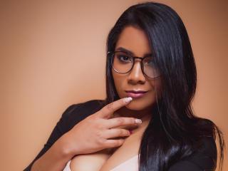 Foto del profilo sexy della modella ValerieGreenn, per uno show live webcam molto piccante!
