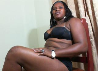 Picture of the sexy profile of DeliHotBrowny, for a very hot webcam live show !