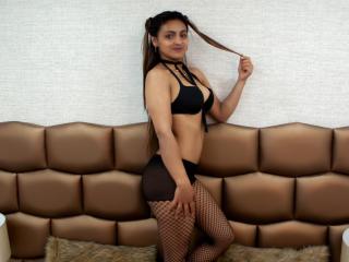 VenusLogan模特的性感個人頭像,邀請您觀看熱辣勁爆的實時攝像表演!