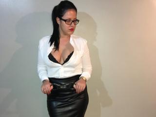 Foto de perfil sexi, da modelo DommeEvianna, para um live show webcam muito quente!