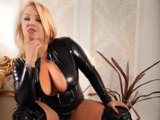 Photo de profil sexy du modèle AlexaLubov, pour un live show webcam très hot !